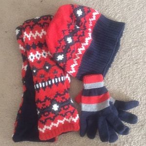 Gymboree Boys scarf, hat and gloves